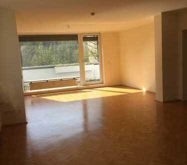 Exklusive 153 m² Penthousewohnung in zentraler Lage von Wülfrath! *Mit großer Dachterrasse*