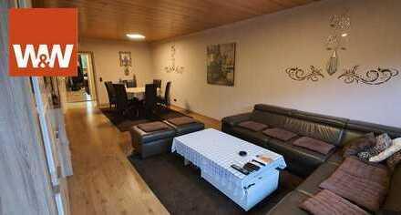4-Zimmer-Wohnung (Selbstbezug) komplett modernisiert inkl. TG.-Stellplatz