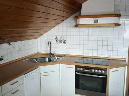 Gepflegte 2,5-Zimmer-Wohnung mit Balkon und EBK in Amtzell