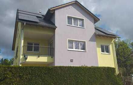 Erstbezug: Helle 6-Zimmer-Maisonette-Wohnung in ruhiger Wohnlage