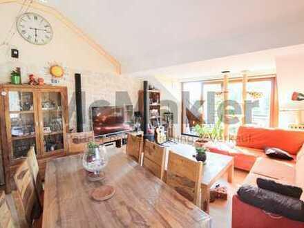 Stadt, Land, Fluss: 2,5-Zi.-Dachgeschosswohnung in ruhiger und naturnaher Lage in Bad Cannstatt