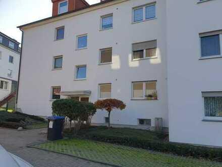 Schöne Dachgeschoss-Wohnung mit Balkon in ruhiger Wohnlage mit ca. 79 m² WFL