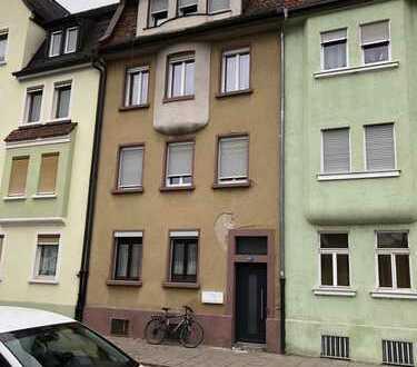 Haus in zentraler Lage mit 3 Wohnungen nähe Wunderburg Apotheke