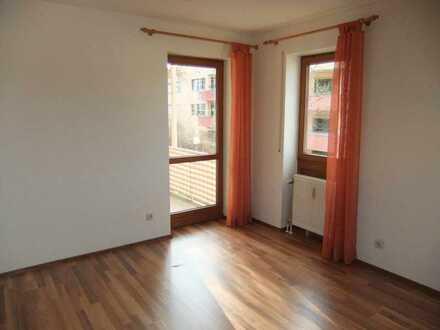 Bitte nur Mailanfragen: Schönes Appartement mit Balkon und Einbauküche