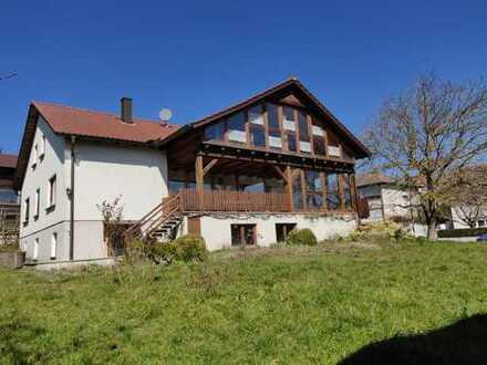 Freundliches 5-Zimmer-Einfamilienhaus mit großem Garten zur Miete in Schlüsselfeld