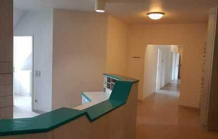 Zentrum der Schönheit in Zirndorf bietet Räume für Kosmetik, Ernährungsberatung...g....