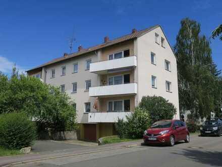 Vollständig renovierte 4-Zimmer-Wohnung mit Balkon und EBK in Bad Staffelstein