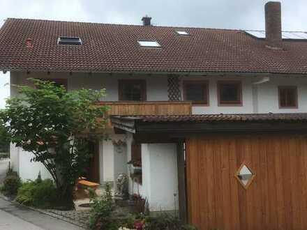 Neuwertige 2,5-Zimmer-Wohnung mit Balkon in Aßling/Niclasreuth