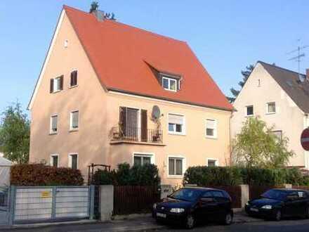 Solides Mehrfamilienhaus in der Fürther Südstadt
