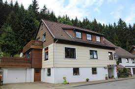 Modernisiertes Mehrfamilienhaus mit zehn Zimmern in Altenau, Clausthal-Zellerfeld