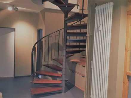 Provisionsfrei: 5 Zimmer Maisonette-Wohnung nahe Mexikoplatz mit Tiefgaragenstellplatz