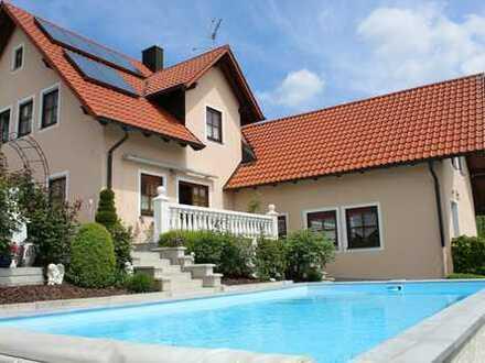 *** PREIS AUF ANFRAGE *** Exquisites Einfamilienhaus mit Pool, Einliegerwohnung u. Baugrundstück