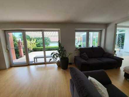 Wohnhaus mit Wintergarten - helle Räume sehr ruhige und zentrale Lage!