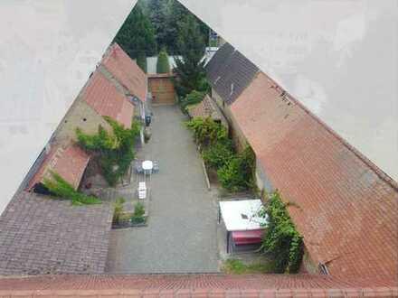 Schönes Einfamilienhaus mit großem Hofanwesen
