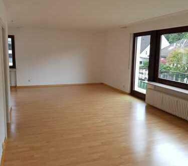 Vollständig renovierte 3-Zimmer-Wohnung mit Balkonen und EBK in Dreieich