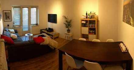 Stilvolle 2-Zimmer-Wohnung mit Balkon und Einbauküche in Barmbek-Süd, Hamburg