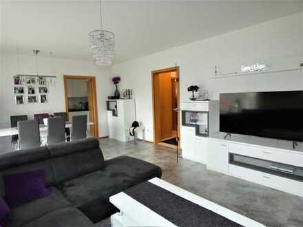 Schöne 2-Zi.-Wohnung in Neuss-Grimlinghausen mit Außenstellplatz und 2 Balkonen in guter Wohnlage