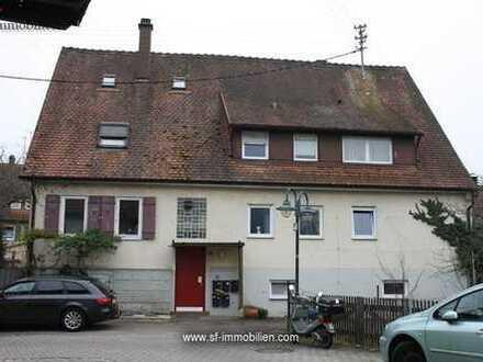 Schicke 3-Zimmer-Wohnung + 2 weitere Zimmer im DG