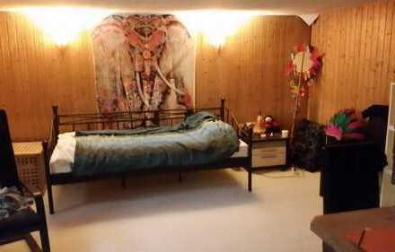 1,5-Zimmer-WG/ Wohnung im Grüne