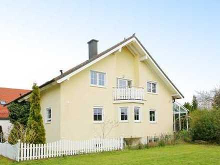 Familienglück: großes Einfamilienhaus in Waldrandlage von Büchenbronn