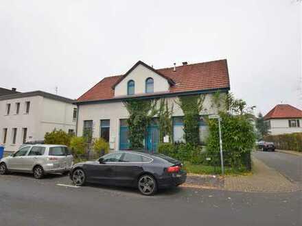 Individuelle 3-Zimmer-Erdgeschosswohnung, sanierter Altbau, beste Innenstadtlage!