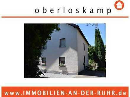 Freistehendes Ein-/Zweifamilienhaus mit großzügigen Garten u. 2 Garagen in ruhiger Lage von Erkrath!