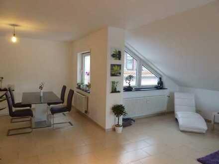 Freundliche, gepflegte 4-Zimmer-Dachgeschosswohnung in Rinheim
