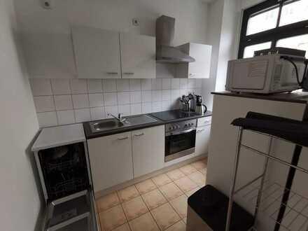 EBK vom Vormieter ! Moderner Grundriss - Laminat - Bad mit Dusche + sep. Küche