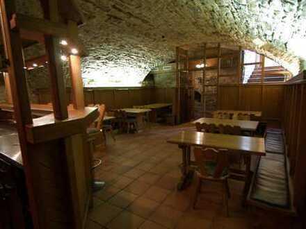 TOP! Dettinger Keller - Gewölbekeller-Restaurant mit Flair in einem Fachwerkhaus Ortsmitte