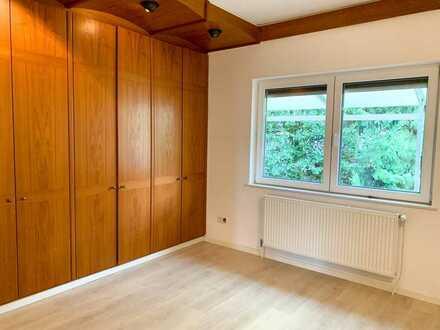 Erstbezug nach Sanierung! 9 Zimmer, 4 Küchen 4 Bäder und 3 WCs auf ca. 205 m² Wohnfläche