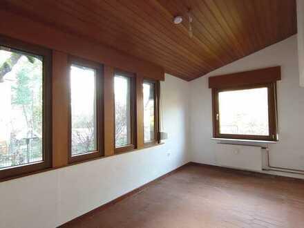 Gemütliche 4-Zimmerwohnung mit Terrasse in Dreieich-Sprendlingen; ruhige Lage am Park!