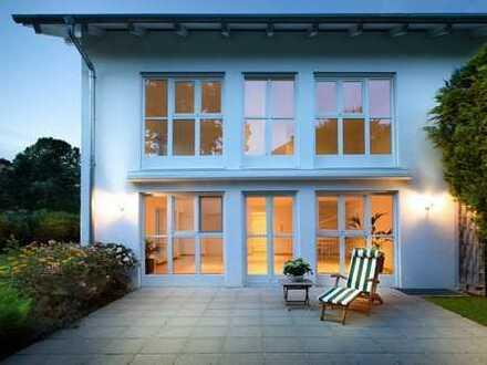 Am Ostufer des Starnberger Sees - Sonniges Wohlfühlhaus mit herrlichem Garten