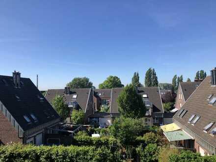 ***Schöne 3 Zi. Wohnung mit großen Balkon im Herzen von Lev.-Hitdorf***