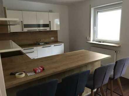 Gepflegte 3-Zimmer-EG-Wohnung mit Balkon und Einbauküche in Gersthofen