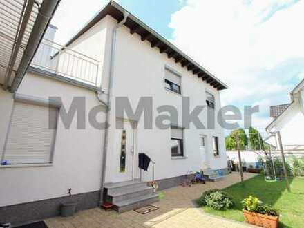 Spacious family home near Mannheim: Up to 3 units with garden, roof terrace and sauna