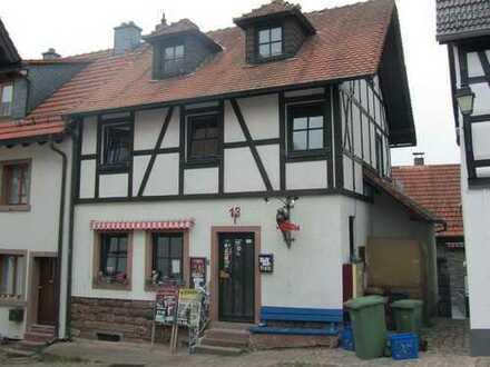 Charmante Immobilie auf dem Dilsberg