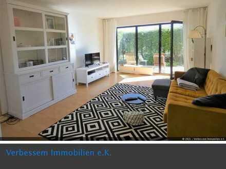 Ruhige lichtdurchflutete 2 Zimmer Whg. mit Terrasse und Stellplatz in Wiesbaden