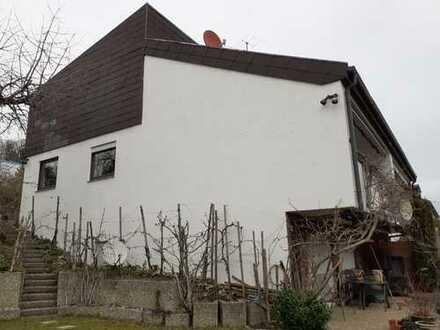 Schönes, geräumiges Haus mit fünf Zimmern und großem Garten in Pforzheim, Oststadt