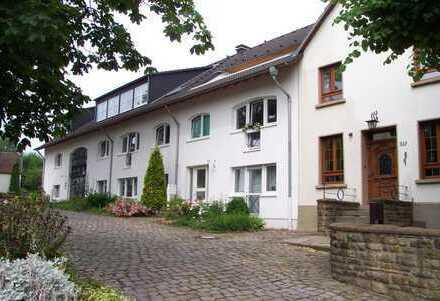Großzügige 4 Zimmer Dachgeschosswohnung mit Galerie und Loggia