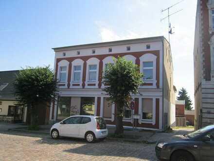 Geräumige 2-Zimmer-EG-Wohnung in zentraler Lage