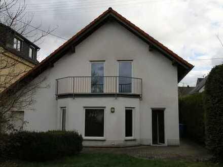 Helles 4,5-Zimmer-Einfamilienhaus in Betzdorf-Bruche mit Garten, Garage und Stellplatz