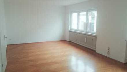 Helles Haus mit 7 Zimmern, großem Hof & barrierefreiem Bad in Neustadt an der Weinstraße, Geinsheim
