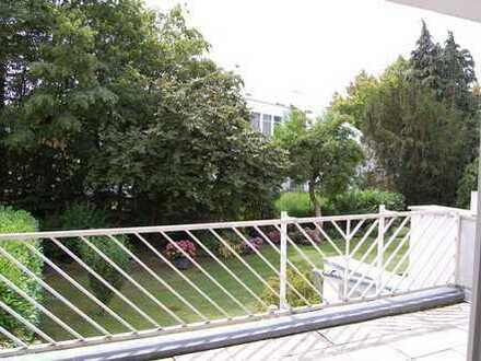 Großer Balkon--Tiefgarage--hell-- 2 Zimmer-ETW in Hanau-Steinheim