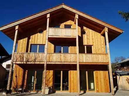 Erstbezug im Holzhaus: ansprechende 5-Zimmer-Wohnung in Bayern - Oberammergau
