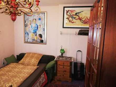 Ab sofort: hochwertiges, schönes, helles, löffelfertiges Zimmer+Bad nahe U-Bahn-Station in Villa im