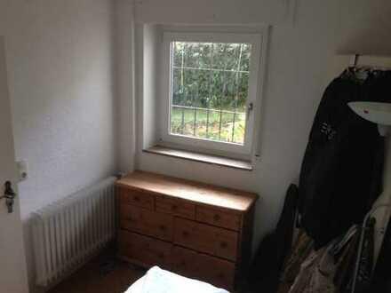Schöne 2-Zimmer-Erdgeschosswohnung mit Balkon und Küche in Esslingen (Kreis)