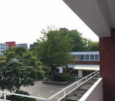 Renovierte Maisonette-Wohnung am Kurfürsten Markt - zwei Sonnen-Balkone !!!