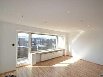 ++Foppe Immobilien++ Frisch sanierte Eigentumswohnung mit Balkon und Kellerraum.