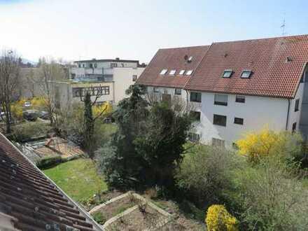 Exklusive, modernisierte 4-Zimmer-Maisonette-Wohnung mit Dachterrasse in Fellbach