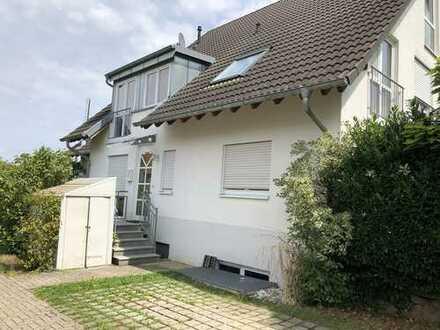 Ehrenkirchen-Norsingen - Doppelhaushälfte in ruhiger sonniger Lage